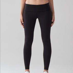 Lululemon Black Wunder Under Low-Rise Tight 28'